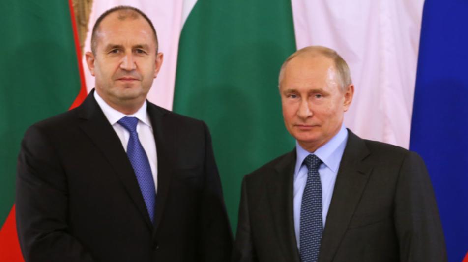 Румен Радев ще спасява България от фалит след разговор с Путин за туристите