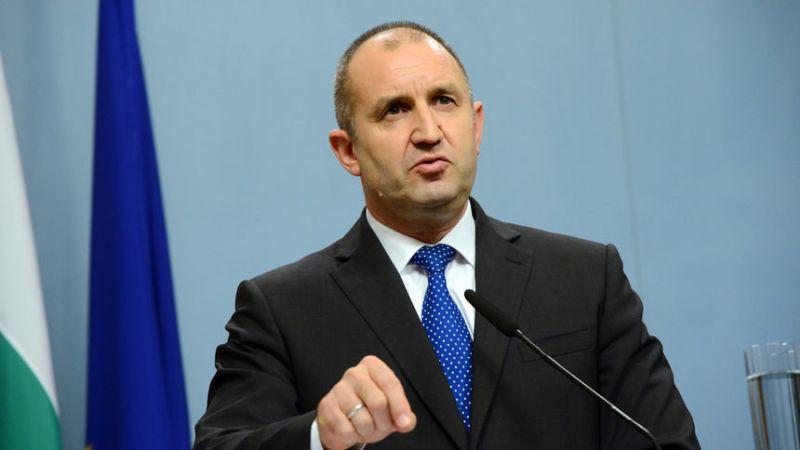 Румен Радев: Няма да повторим нашите грешки от 2013 г. Няма да се делим на леви и десни, на сини и червени