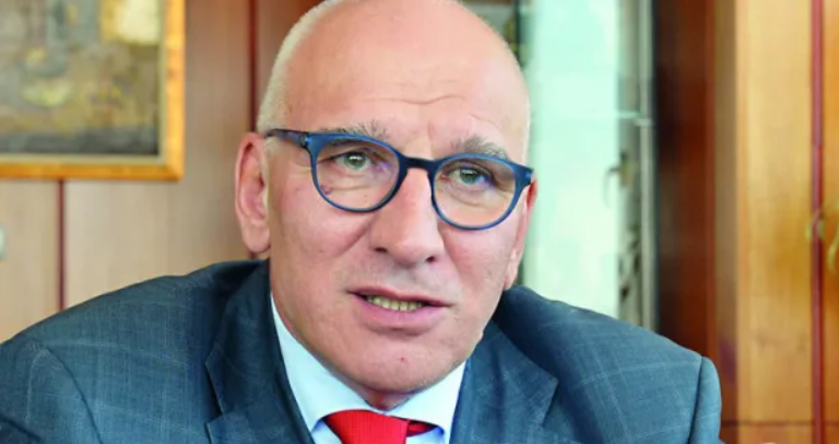 Левон Хампарцумян: Маса българи са неграмотни! Да благодарят, че берат ягоди в ЕС!